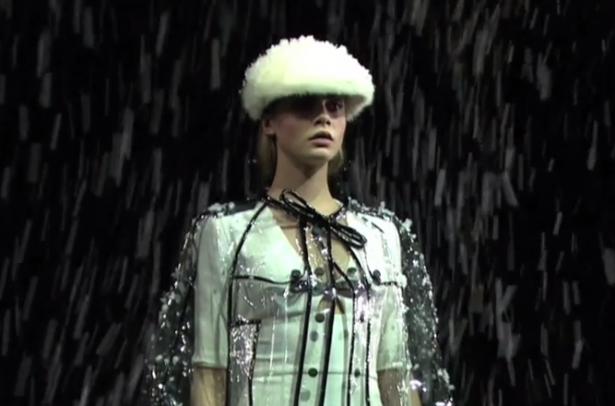 Burberry holographic fashion show